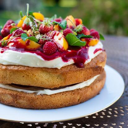 Chiffon cake, sabayon mascarpone, pêches et framboises