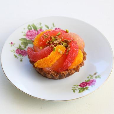 Tartelette crue aux agrumes, base noix