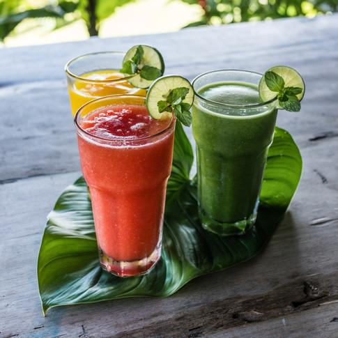 Smoothies d'hiver: mangue, papaye et épinards