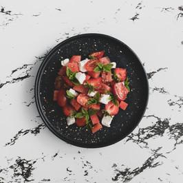 Pastèque, fraises, feta et huile d'olive