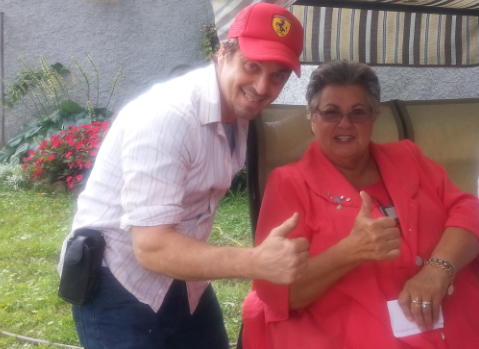Ginette Reno... thumbs up!!.png