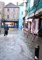 Fowey Village Road I Floodgates bewähren sich