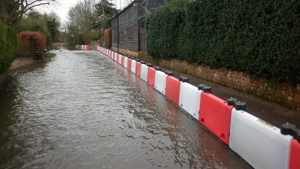 Floodstop I Wassersperre 0_edited.jpg