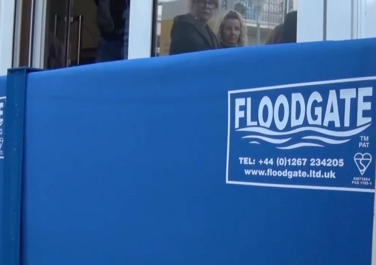 Floodgate Wassersperre gewinnt in Cannes