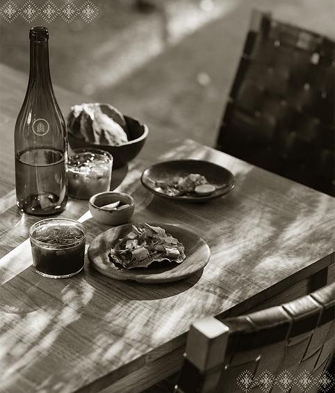 table-setup-wine. Casaestrélla.png