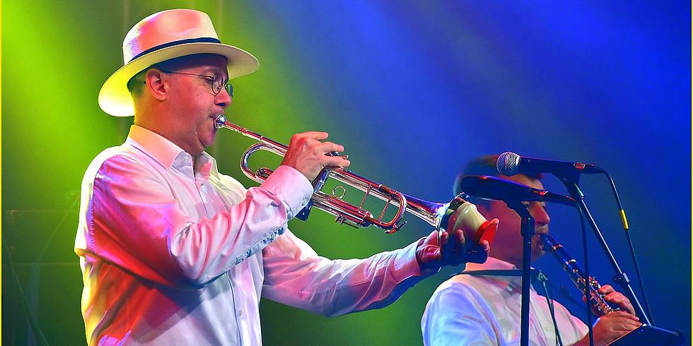 Adriano Jazzin' DJ à la Fête Nationale de Mijoux