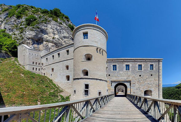 Fort L'Ecluse.jpeg