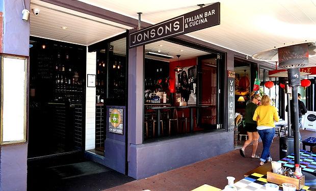 IMG_9489 sat Jonsons Byron.JPG