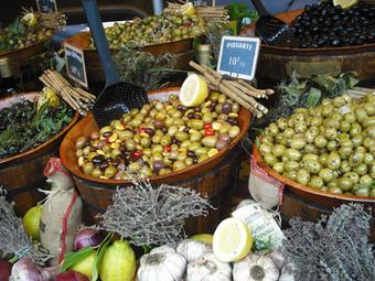 Marché provençal Alpes de Haute Provence