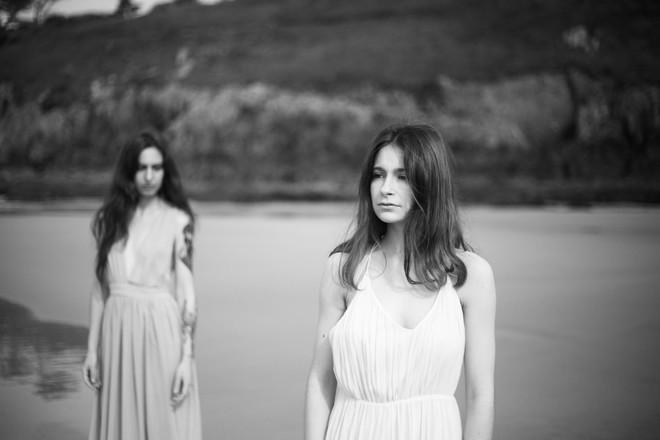 Modèles : Carmilla et Justine Photo : Marion Saupin