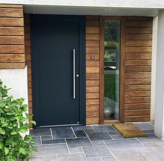 Pose porte d'entrée villa Rennes