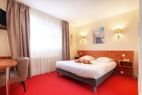 2019-11-13-HotelPetiteSiräne-CH201-Cour-