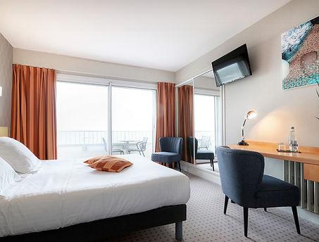 2019-11-13-HotelPetiteSiräne-CH2-VueMer-