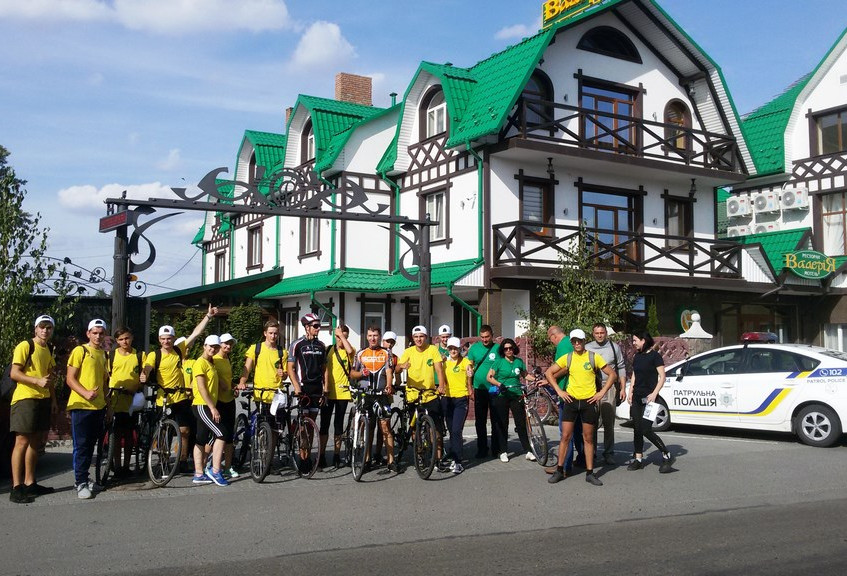 У Новоселиці зупинився велопробіг
