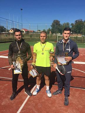 У Строїнцях провели тенісний турнір