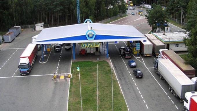 На кордоні з Польщею відкриють всі пропускні пункти