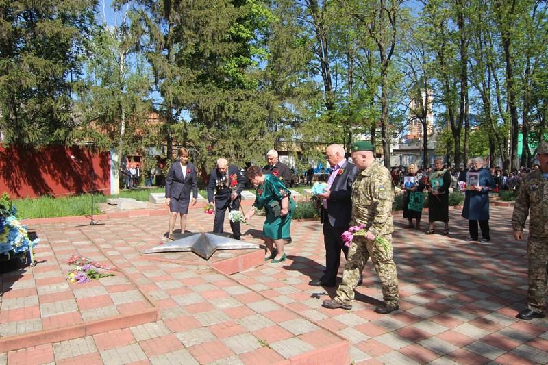 У Новоселиці вшановували пам'ять заг