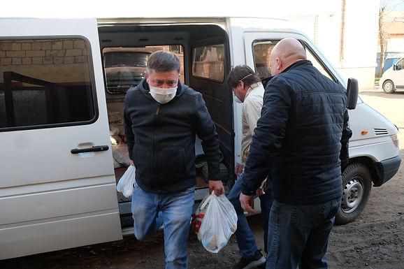 В Новоселицю прибув вантаж продуктових наборів для незахищених верств населення