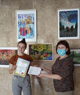 Давайте малювати: випускники художньої школи запрошують на виставку
