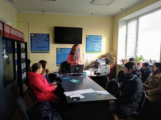 На Новоселиччині молодь вчили як презентувати себе на ринку праці