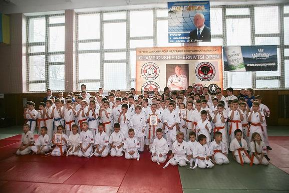 """У Новоселиці відбувся турнір з карате """"CHERNIVTSI-OPEN"""""""