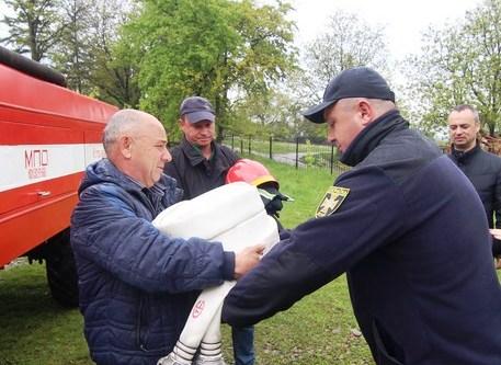 Котелівські пожежники отримали компл