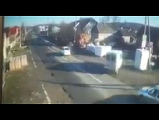У Костичанах в ДТП загинув водій, діти в лікарні: відео