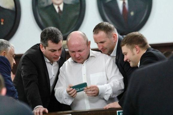 Мешканець Магали купив телеканал у секретаря Чернівецької міськради