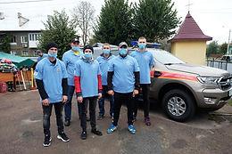 Новоселицьким волонтерам і рятувальникам вручили «Ford Ranger»
