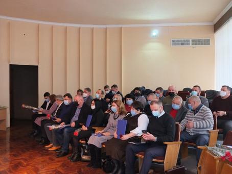 На першому засіданні новообраної міськради до кадрових питань не дійшли