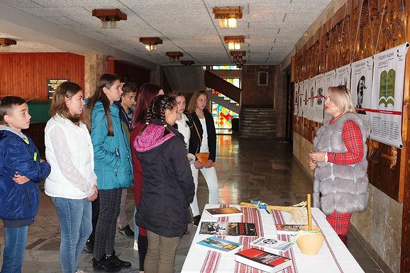 Відкрилася виставка: «Голодомор: нищення ідентичності»