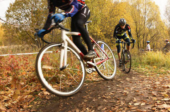 Обласна федерація велоспорту вшанувала пам'ять ветеранів