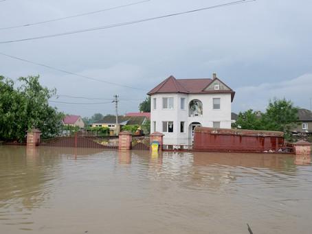 Фоторепортаж: хроніка повені