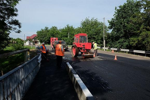 Новоселицькі дорожники завершили ремонт мосту у Ванчиківцях