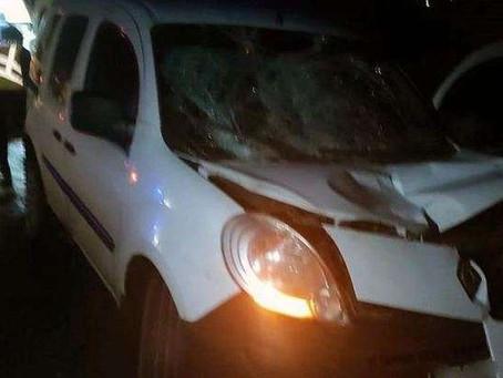 У Довжку вночі автомобіль збив чоловіка, котрий стояв посеред дороги