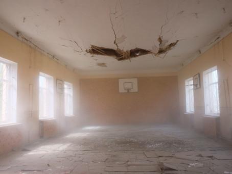 В спортзалі Тарасовецької ЗОШ розпочали заміну стелі і покрівлі