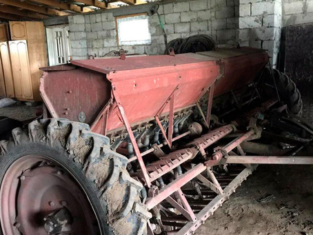 У Мамализі односелець викрав у фермера сівалку