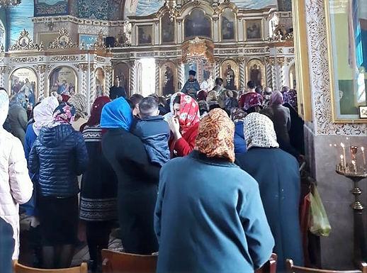 Карантин вихідного дня церков не стосується