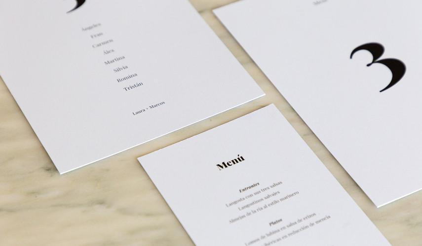 invitaciones de boda, invitacións de voda, invitación minimalista, invitación elegante, estudio de invitaciones de boda, invitaciones de boda en Santiago, seating plan, mesero