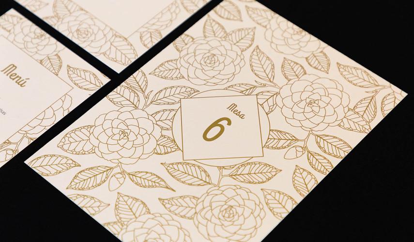 mesero, .jpginvitación de boda, invitacións de voda, invitación floral, invitación camelia, invitación elegante, estudio de diseño gráfico en Santiago