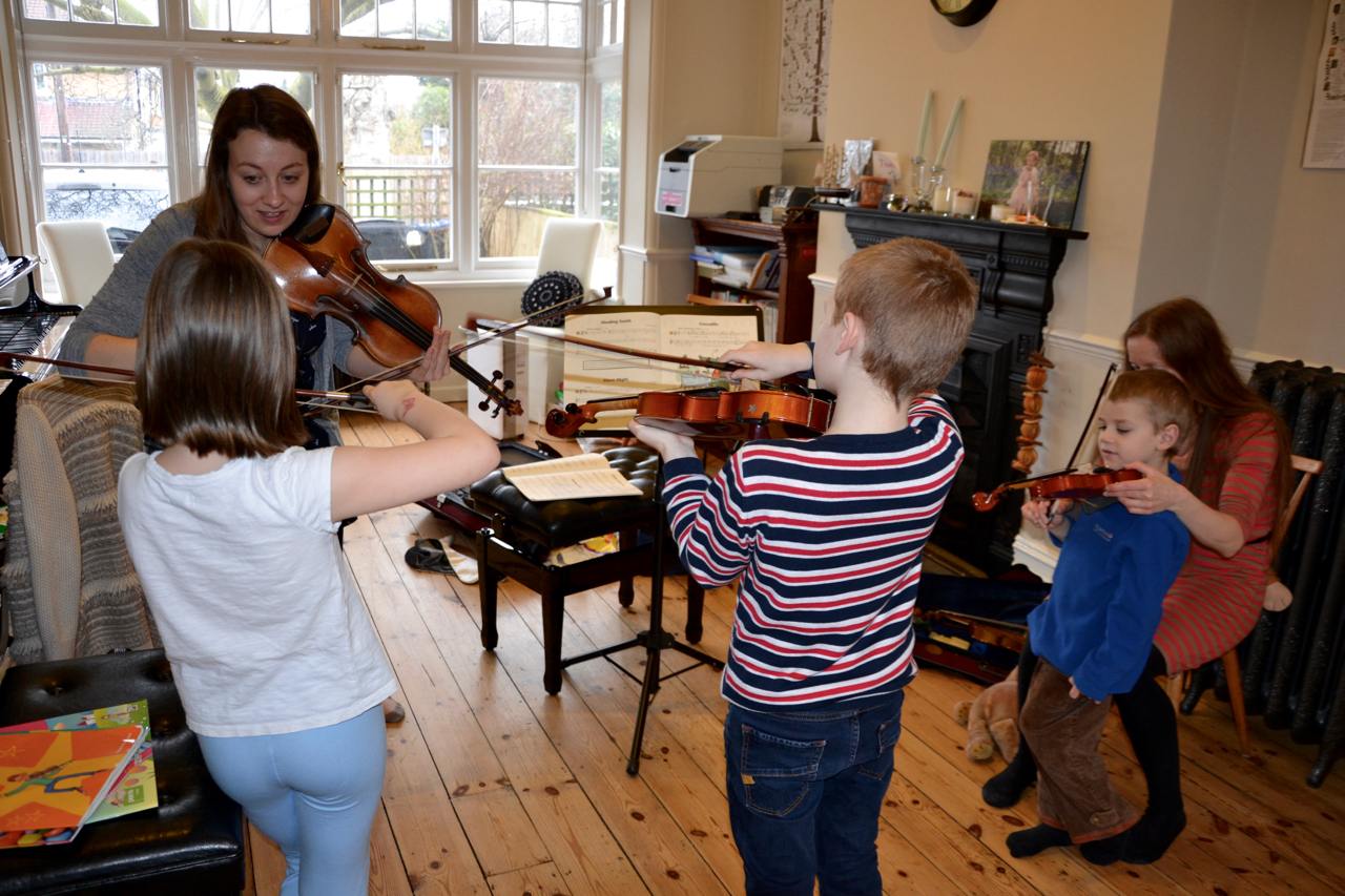 Group Violin Lessons with Miss Elin