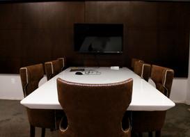 Sala de Reunião Cowmeia Coworking.jpg
