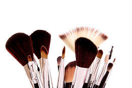 Maquillage pinceaux blush mascara ombre à paupières rouge à lèvres crayon beauté esthétique soin cours auto-maquillage brive malemort corrèze 19 19100 quintessence