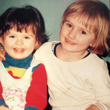 Ta brunetka to ja :) tu moją ukochaną starszą siostrą Olą