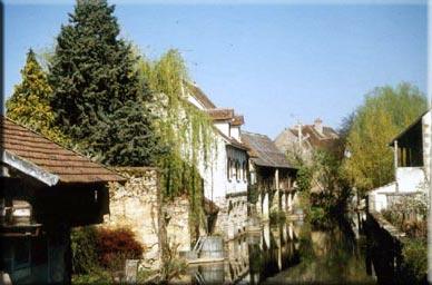 La Chatre Bord Indre 36.jpg