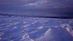 Les vents dominants ont sculpté la neige