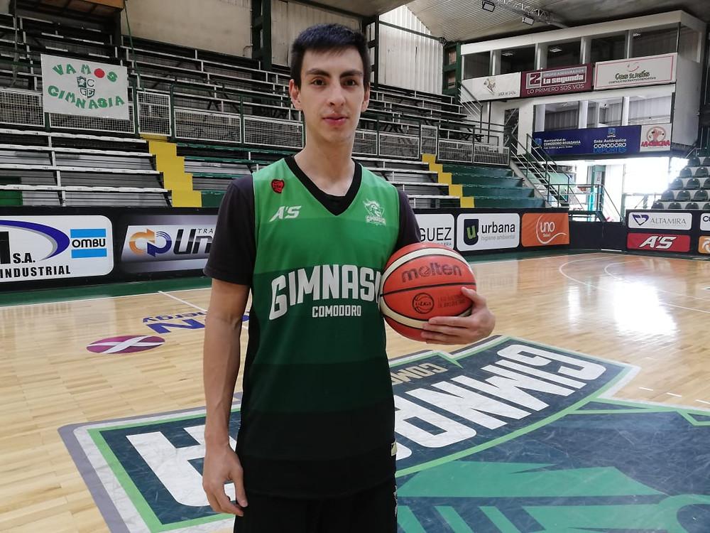 Sebastián Orresta en su primer entrenamiento con Gimnasia