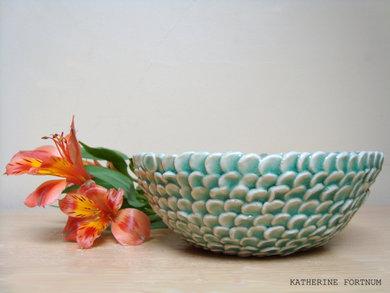 Leaf bowl, celedon, white stoneware, Katherine Fortnum, 2014, photograph by Katherine Fortnum
