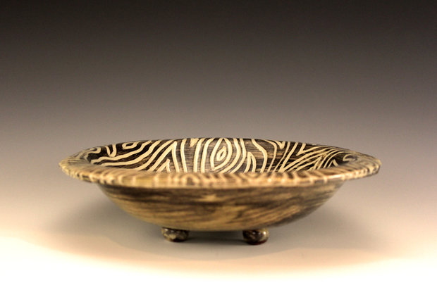 Grain carved bowl, White Stoneware, 2016, 5 x 18.5 x 18.5 cm, by Katherine Fortnum, photograph by Katherine Fortnum
