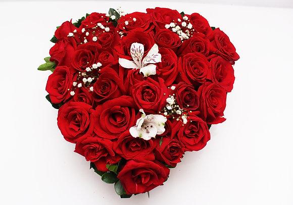 Coração de Rosas e Astromélias